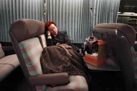 Женщинам полезнее спать дольше мужчин. Фото: CHARLY TRIBALLEAU/AFP/Getty Images