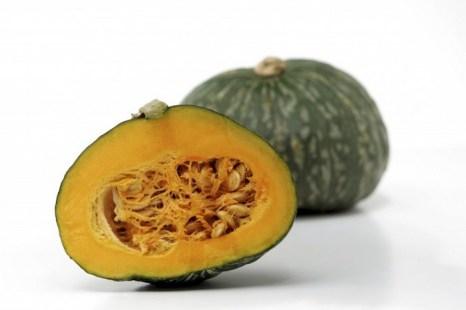 Тыква кабоча стимулирует работу желудка, селезёнки и поджелудочной железы, стимулирует обмен сахара. Фото: sksuga/photos.com