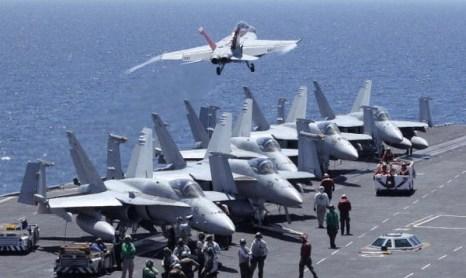 ВМС и ВВС США и Южной Кореи проводят совместные учения в Японском море. Фото:Song Kyung-Seok-pool/Getty Images