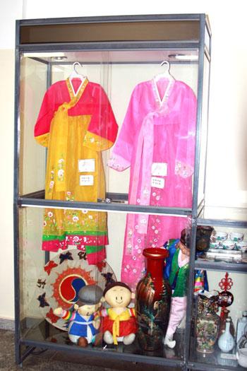 Национальное женское платье. Фото: Ульяна Ким/Великая Эпоха (The Epoch Times)