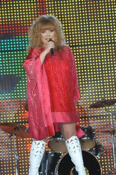 Пугачева Алла Борисовна  на сцене. Фоторепортаж. Фото с сайта newsmusic.ru