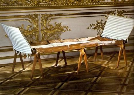 Походная кровать в императорской спальне.  Фото: tsarselo.ru