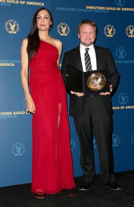 Янсенн Фамке (Л) и Райан Джонсон (П) на вручении премии Гильдии режиссёров США 3 февраля 2013 года в Голливуде, США. Фото: Frederick M. Brown/Getty Images