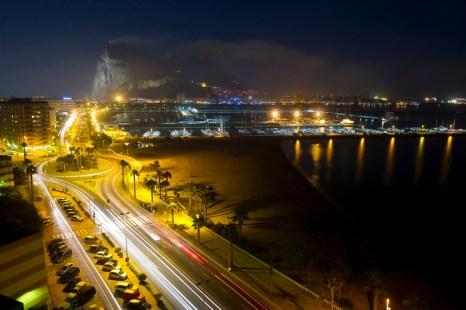 Ночной пляж. Ла-Линеа-де-ла-Консепсион, Испания. Фото: MARCOS MORENO/AFP/Getty Images