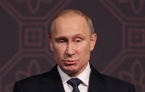 Владимир Путин относит проведение амнистии на счёт «гуманизациии нашей уголовной политики» в связи с 20-летним юбилеем Конституции. Фото: Chung Sung-Jun/Getty Images