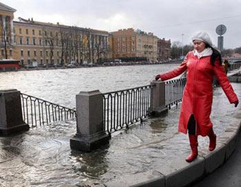 Река Фонтанка, Санкт -Петербург, 10 января 2007 год. Фото: SERGEI KULIKOV/AFP/Getty Images