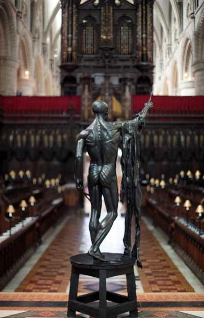 Скульптура Дамиана Хирста «Страдания  святого Бартоломью». Выставка монументальной скульптуры в Глостере, Англия. Фото: Matt Cardy/Getty Images