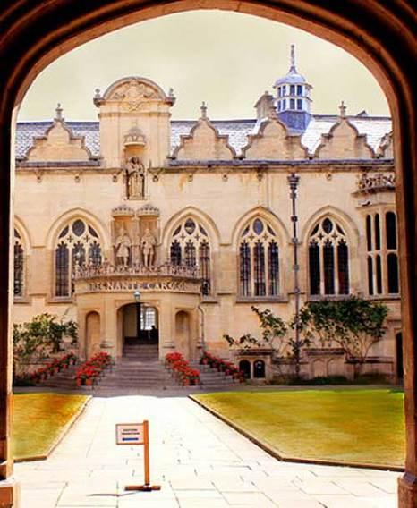 Оксфорд. Университетский дворик. Фото: Ирина Рудская/Великая Эпоха