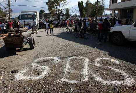 SOS - призыв о помощи с Гаити прозвучал по всему миру. Фото:Getty Images