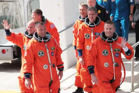 Экипаж «Атлантиса»: командир Кен Хэм, пилот Доминик