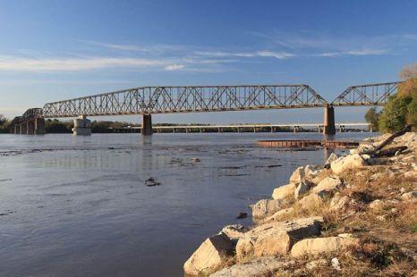 Самым длинным в мире велосипедно-пешеходным мостом является мост Old Chain of Rocks Bridge, расположенный на реке Миссисипи в штате Иллинойс. Фото: bigpicture.ru
