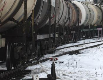 Состав с нефтью на железной дороге. Фото: Getty Images
