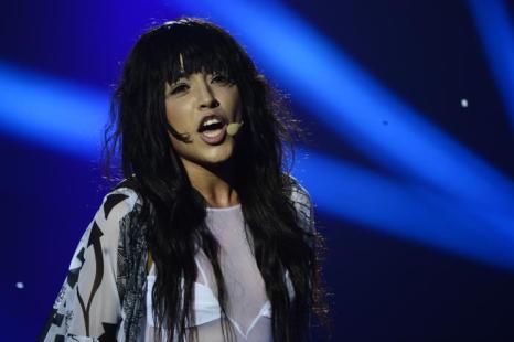 Шведская певица и последний победитель Лорин в финале Евровидения 2013. Фото: JOHN MACDOUGALL/AFP/Getty Images