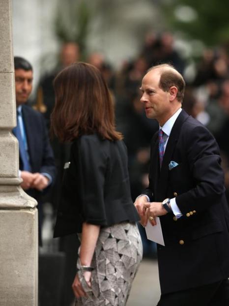 Принц Эдвард посетил отца герцога Эдинбургского в больнице на его 92-летие. Фото: Dan Kitwood/Getty Images