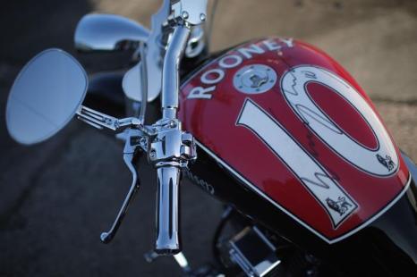 Уникальный мотоцикл Уэйна Руни. Фото: Christopher Furlong/Getty Images