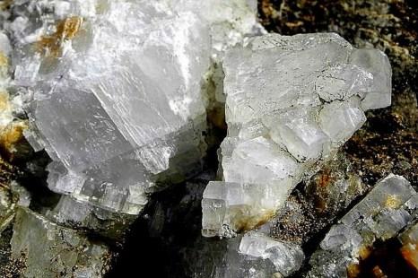 Кристаллы гипса в породе на горе Кошка. Фото: Алла Лавриненко/Великая Эпоха (The Epoch Times)