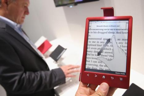 Цифровая книга для чтения от Sony на открывшейся 53-й международной выставке бытовой электроники IFA 2013 в Берлине 5 сентября 2013 года. Фото: Sean Gallup/Getty Images