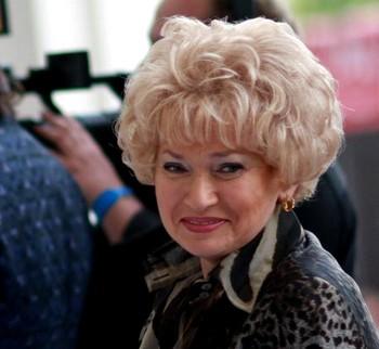 Людмила Нарусова. Фото с сайта Guzei.com