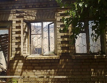 Дом на улице Салаватова после штурма. Фото: kavkaz-uzel.ru