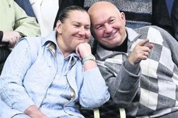 Елена Батурина, жена Лужкова, заявила, что уезжать из России они с мужем не намерены, Фото с сайта segodnya.ua