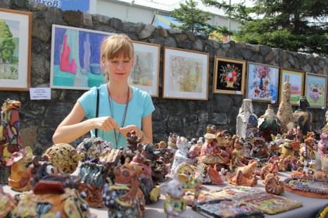 Школа керамики представила свои работы на юбилей Шелехова. Фото: Николай ОШКАЙ/Великая Эпоха (The Epoch Times)