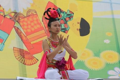 Школа Фалунь Дафа - танец «Непорочный лотос». Фото: Николай ОШКАЙ/Великая Эпоха (The Epoch Times)
