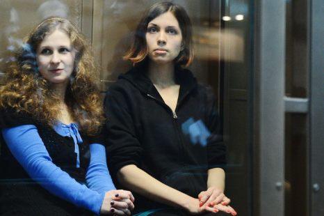 Участницы Pussy Riot Надежда Толоконникова и Мария Алехина. Фото: NATALIA KOLESNIKOVA/AFP/GettyImages