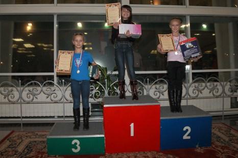 На пьедестале победители в юношеском  разряде. Фото: Сергей Лучезарный/Великая Эпоха (The Epoch Times)