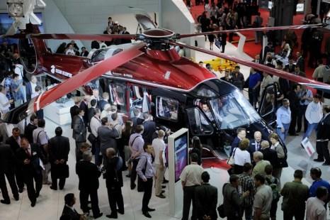 Вертолёт Ка-62 будет применяться для спасения людей. Фото: NATALIA KOLESNIKOVA/AFP/Getty Images