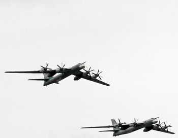 Стратегический бомбардировщик Ту-95МС. Фото: ANDREY SMIRNOV/AFP/Getty Images