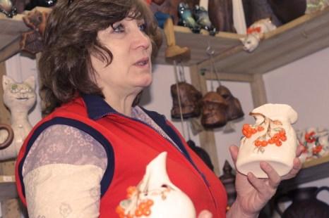 Мастера из Ногинска представляют предметы декора для дома. Фото: Николай Карпов/Великая Эпоха (The Epoch Times)