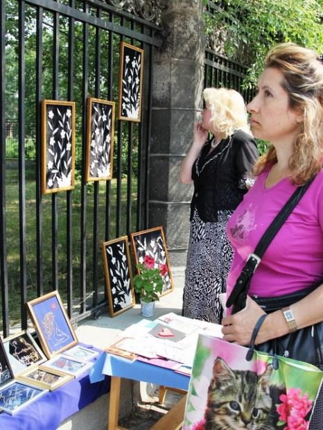 Ангарский Арбат. Картины изготовлены из риса. Фоторепортаж. Фото: Нина Апёнова/Великая Эпоха (The Epoch Times)