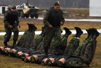 Правительство РФ подписало 28 октября постановление «О внесении изменений в Положение о проведении военных сборов». Фото: ANDREI SMIRNOV/AFP/Getty Images