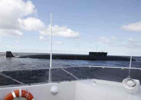 Атомная подводная лодка (АПЛ) «Северодвинск» в море. Фото: DMITRY ASTAKHOV/AFP/Getty Images