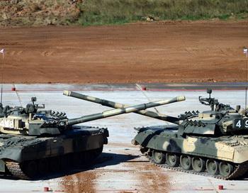 Российские танки. Фото: VASILY MAXIMOV/AFP/Getty Images