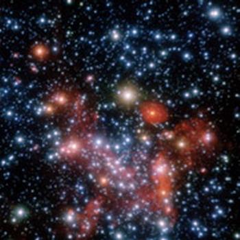 Наблюдения в рамках данной работы велись на нескольких крупных телескопах в инфракрасном диапазоне. Как на этом снимке, показывающем крупный план галактического центра (фото ESO/S. Gillessen et al.).