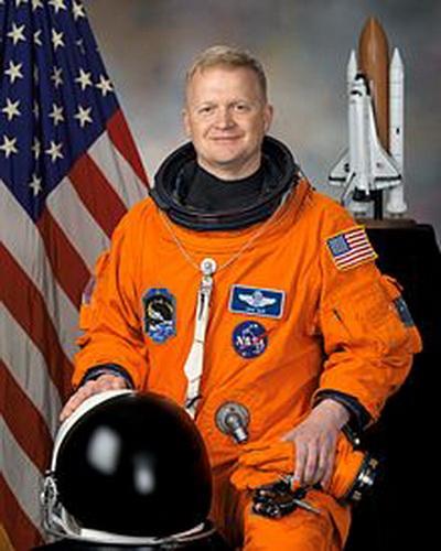 Фоторепортаж. Пилот шаттла и американский астронавт Эрик Боу. Фото взято с Wikipedia