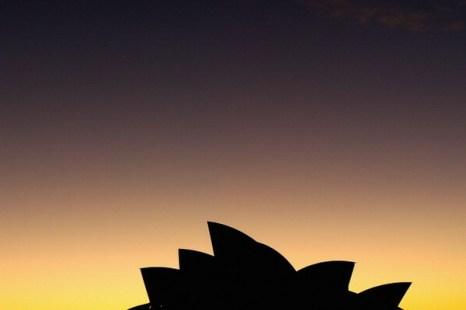 Фоторепортаж о параде планет над Сиднейским оперным театром в Австралии. Фото: Cameron Spencer/Getty Images