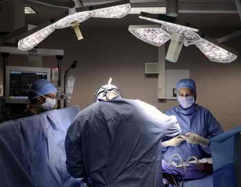 Житель Великобритании с искусственным сердцем попал в Книгу рекордов Гиннесса. Фото: JEAN-SEBASTIEN EVRARD/AFP/Getty Images