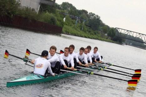 Фоторепортаж с соревнований по академической гребле мужских восьмерок на канале Дортмунд-Эмс, Германия. Фото: Christof Koepsel/Bongarts/Getty Images