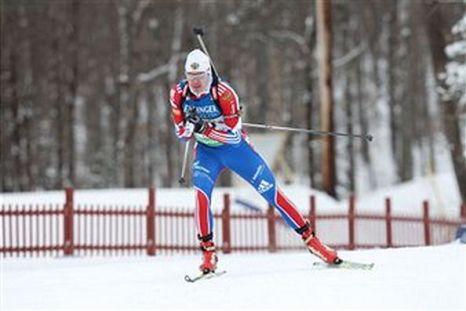 Иван Черезов завоевал «бронзу» в спринте на этапе Кубка мира по биатлону в Преск-Айле. Фото: DON EMMERT/AFP/Getty Images
