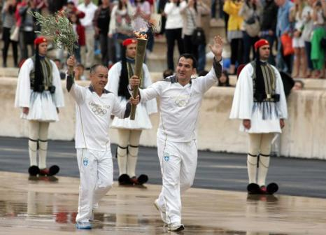 Церемония передачи Олимпийского огня «Лондона-2012» на стадионе «Панатинаикос» в Афинах, Греция. Фоторепортаж. Фото: Milos Bicanski/Getty Images