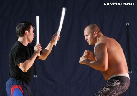 Тренировка на реакцию и передвижение. Фото с сайта mixfight.ru