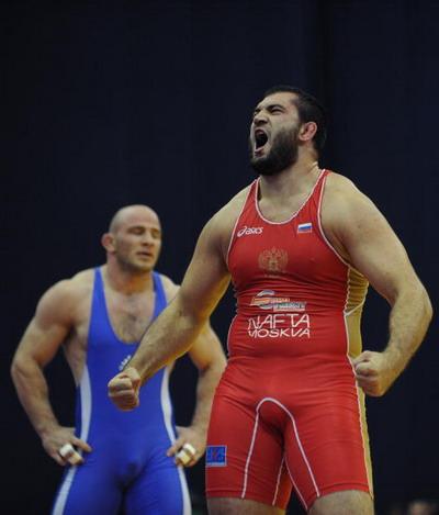 Билял  Махов  - самый сильный супертяжеловес мира. Фото: ALEXANDER NEMENOV/AFP/Getty Images