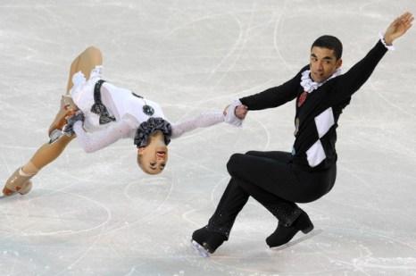 Алена Савченко и Робин Шолков. Фото: JANEK SKARZYNSKI/AFP/Getty Images