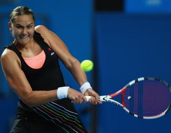 Надежда Петрова разгромила Ким Клейстерс на Открытого чемпионата Австралии по теннису. Фото: Clive Brunskill/Getty Images