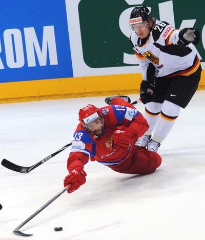 Россия - Германия. Фото: Martin ROSE, Alexander NEMENOV, Joe KLAMAR/Bongarts/Getty Images