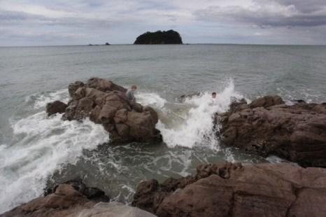 Разлив нефти в акватории Новой Зеландии – новая экологическая угроза. Фоторепортаж с побережья Тауранга. Фото: Bradley Ambrose/Getty Images