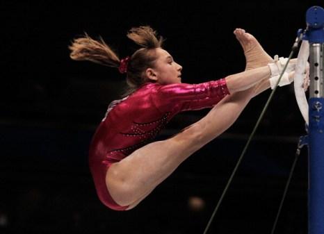 Виктория Комова  на ЧМ  по спортивной гимнастике завоевала серебро. Фото: Lintao Zhang/Getty Images