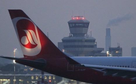 Берлинский  аэропорт Тегель  в 2012 году будет закрыт. Фоторепортаж из Берлина.  Фото: Sean Gallup/Getty Images